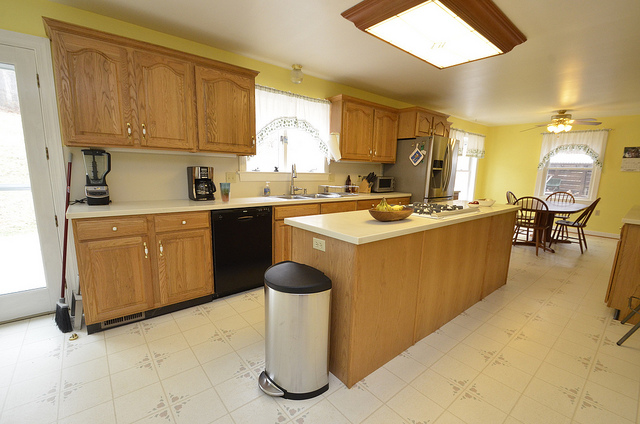 7 Practical Tips To Help You Keep Your Kitchen Neat And