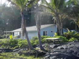 Big Island Hawaii Oceanfront Alohahouse - Live on the Edge of the Blue Pacific.