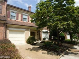 AMAZING 4 LEVEL TOWNHOUSE 3BR 3.5BR